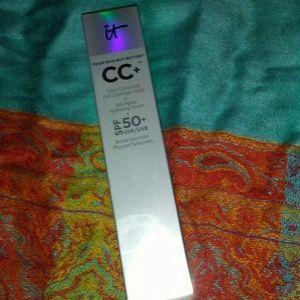 it CC+ Color Correct Anti Aging Cream in Light
